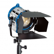ARRI 650 Plus P.O., blau/silber, 90 - 250 V AC, Schuko-Stecker